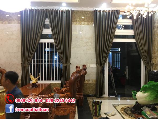 Hình ảnhlắp đặt thi công rèm cửa nhà anh Thế Anh ở Bình Tân