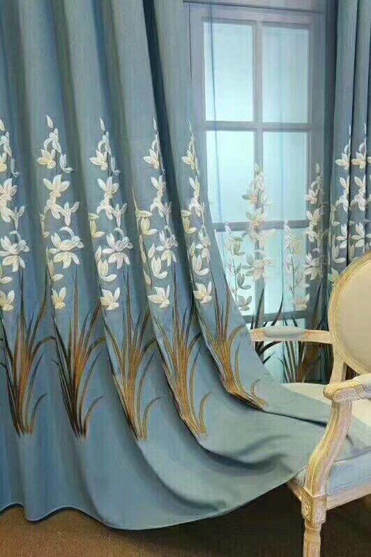 Rèm vải gấm thêu hoa văn đẹp