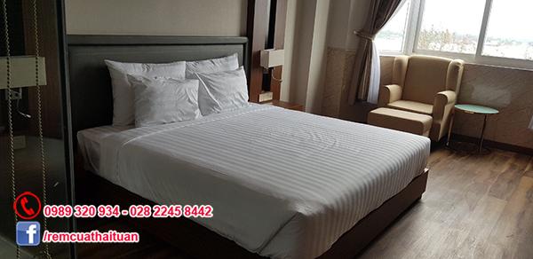 Thay màn cửa cho khách sạn Vạn Phát Riverside thành phố Cần Thơ