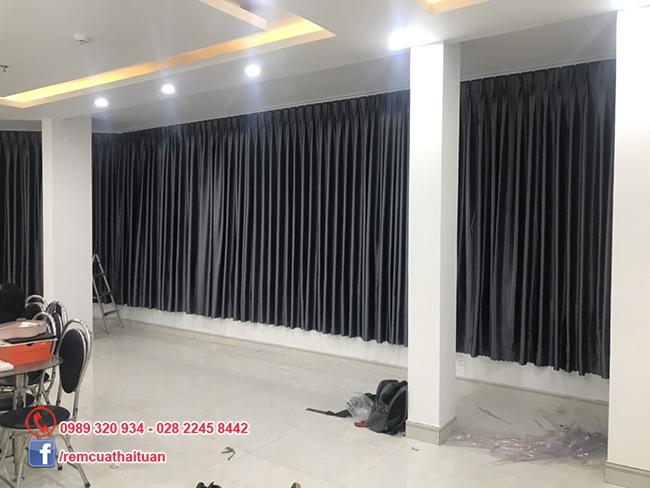 Thi công rèm cửa quận Bình Tân loại rèm vải gấm chống nắng