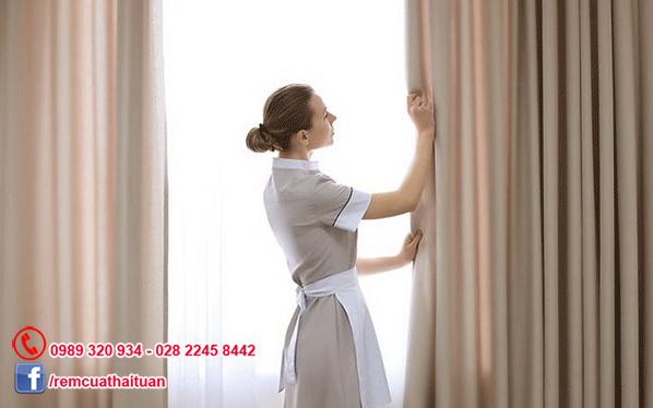 Hướng dẫn cách giặt và vệ sinh rèm cửa